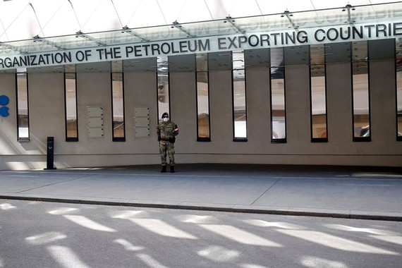 Delegates at a virtual meeting of oil-producing countries agreed to reduce output by a collective 10 million barrels a day in May and June, according to OPEC-country officials PHOTO: LEONHARD FOEGER/REUTERS