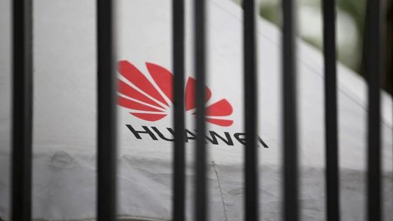 Các công ty viễn thông quốc tế đã phải đối mặt với áp lực phải loại trừ Huawei Technologies khỏi cơ sở hạ tầng 5G của họ. © Reuters