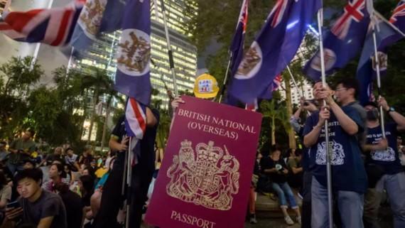 Thủ tướng Anh tuyên bố điều chỉnh hệ thống thị thực để tiếp nhận người Hồng Kông
