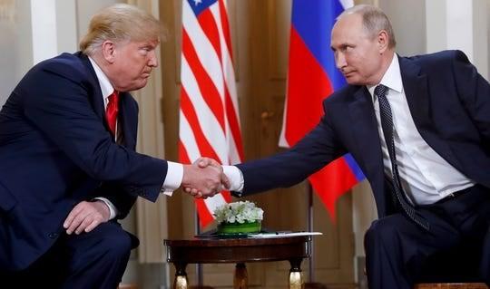 Tổng thống Mỹ Donald Trump và Tổng thống Nga Putin tại cuộc gặp ở Phần Lan, năm 2018. (Nguồn: AFP)