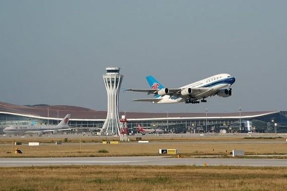 Máy bay cất cánh tại Sân bay Quốc tế Daxing ngày 25/9/2019. Ảnh: THX