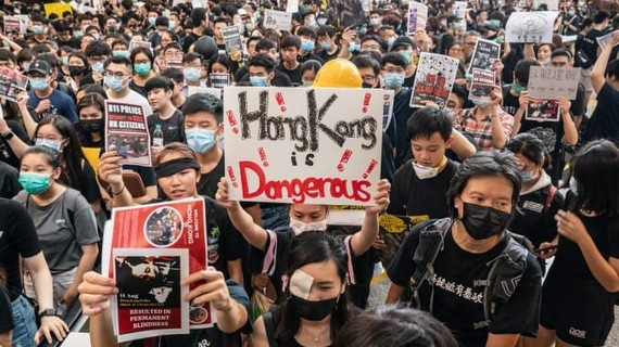 Trung Quốc thông qua Luật an ninh Hồng Kông; Mỹ thu hồi quy chế đặc biệt cho Hương cảng