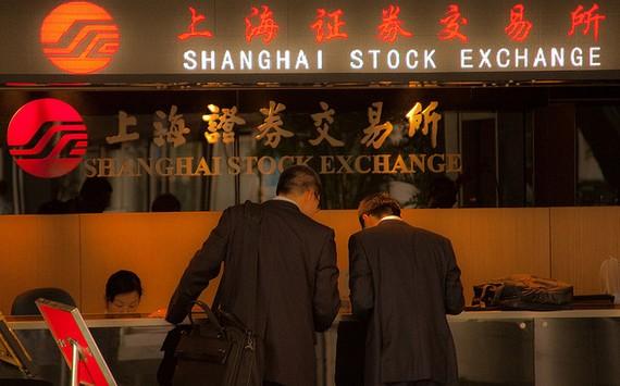 Lo ngại bong bóng chứng khoán, quỹ nhà nước Trung Quốc bắt đầu bán ra