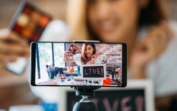Bộ trưởng Hàn Quốc livestream bán hàng mỗi ngày nhằm kích cầu tiêu dùng