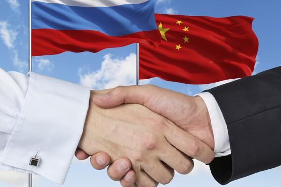 """Bắc Kinh và Moscow cùng tham gia vào """"cuộc chiến tranh thông tin"""""""