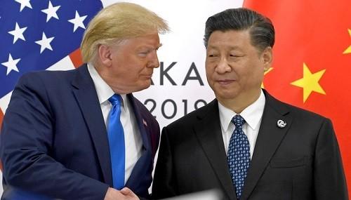 Tổng thống Mỹ Donald Trump (trái) và Chủ tịch Trung Quốc Tập Cận Bình. Ảnh: AP