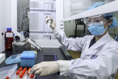 Trung Quốc cấp bằng sáng chế đầu tiên cho vắc xin Covid-19 trong nước