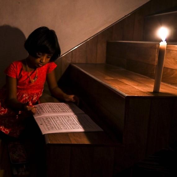 21 triệu dân Sri Lanka bị cắt điện do máy phát điện than của Trung Quốc bị lỗi