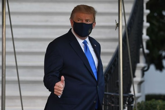 TT Trump 'khó thở' và 'rất mệt mỏi', theo cố vấn cấp cao