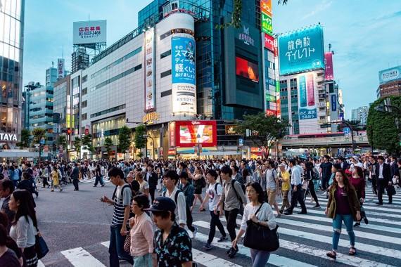 Tân Thủ tướng Nhật Bản Suga có giúp Tokyo giành được 'vương miện tài chính' của Hồng Kông?