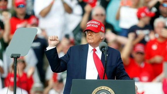 """Donald Trump trumpeted the economy's """"explosive growth"""" at a rally in Florida on Thursday © Getty Images"""