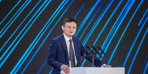 Jack Ma phát biểu trong Hội nghị Bund tổ chức tại Thượng Hải vào tháng 10 vừa qua, nơi ông đã có những bình luận thẳng thắn cơ quan quản lý của chính phủ Trung Quốc. Nguồn ảnh: Fortune.com