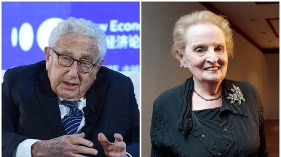 Hai cựu Ngoại trưởng Henry Kissinger và Madeleine Albright vừa bị ông Trump sa thải khỏi Ban chính sách Quốc phòng (Ảnh: Dongfang).