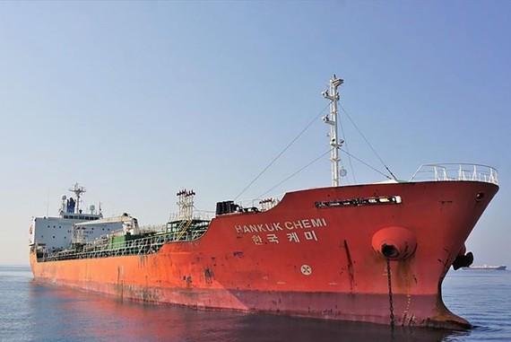 Iran đã bắt giữ tàu chở hóa chất HANKUK CHEMI của Hàn Quốc với lý do 'gây ô nhiễm vùng vịnh Persian bằng hóa chất'. (Nguồn: Bloomberg)