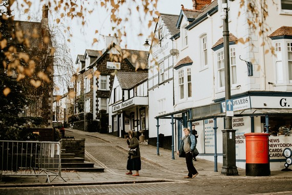 Thị trấn Conwy yên bình với cộng đồng ở Quận Conwy trên bờ biển phía bắc xứ Wales