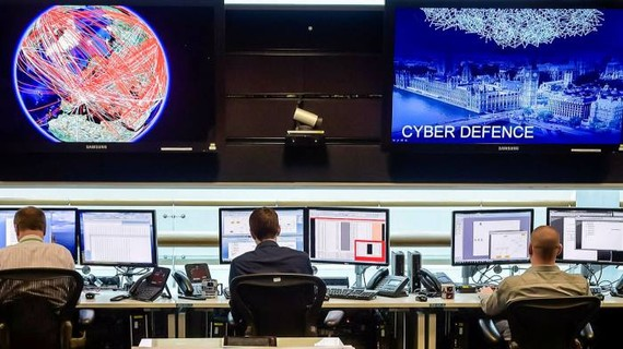 Các nhà phân tích tại GCHQ sẽ sử dụng AI để giải quyết các 'trại troll' lan truyền thông tin sai lệch cũng như các cuộc tấn công mạng và mạng tội phạm © Ben Birchall / Getty Images