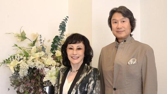 Bà Keiko Erikawa (bên trái). Ảnh: Koei Tecmo Holdings