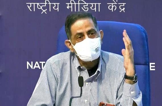 Tổng giám đốc ICMR Balram Bhargava tại buổi họp báo ở New Delhi (ANI).