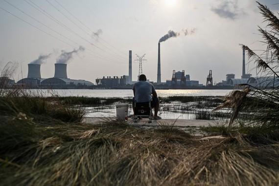 Tình trạng thiếu điện trên diện rộng đã làm ảnh hưởng đến sản lượng công nghiệp trên khắp các vùng của Trung Quốc trong tháng qua. Ảnh: AFP