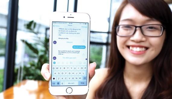 T'Aio được nhúng trên Facebook Messenger và hỗ trợ tư vấn viên phản hồi khách hàng