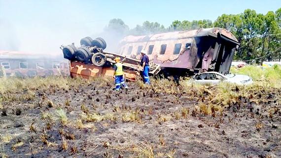 Tai nạn xe lửa ở Nam Phi, hơn 190 người thương vong