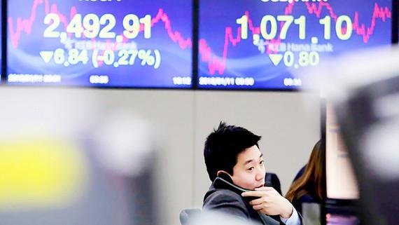Thị trường chứng khoán Hàn Quốc giảm điểm ngày 11-1