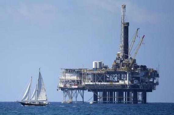 Chính quyền Tổng thống Trump thúc đẩy khai thác dầu khí ngoài khơi. Ảnh: Reuters