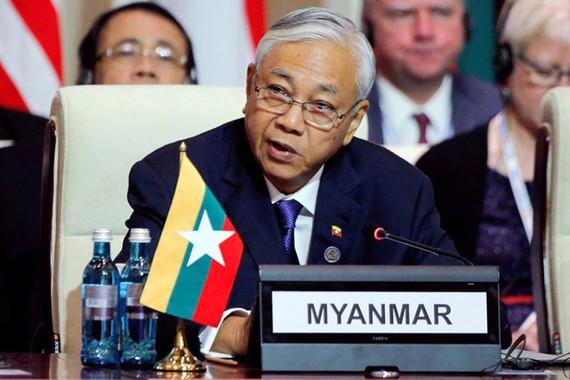 Tổng thống Myanmar U Htin Kyaw phát biểu tại Hội nghị thượng đỉnh Á-Âu (ASEM) tổ chức ở Ulaanbaatar (Mông Cổ) ngày 15-7-2016 - Ảnh: REUTERS