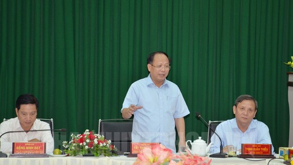 Phó Bí thư Thường trực Thành ủy TPHCM Tất Thành Cang phát biểu tại buổi làm việc. Nguồn: tphcm.chinhphu.vn