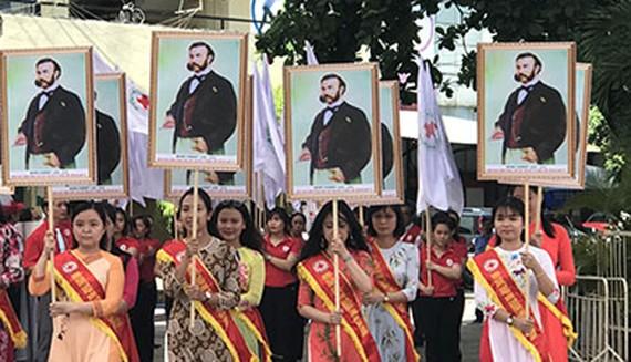 Diễu hành phát động tháng Nhân đạo 2018