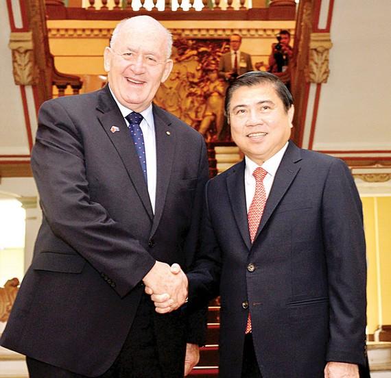 Chủ tịch UBND TPHCM Nguyễn Thành Phong tiếp Toàn quyền Australia Peter Cosgrove                                                         Ảnh: VIỆT DŨNG