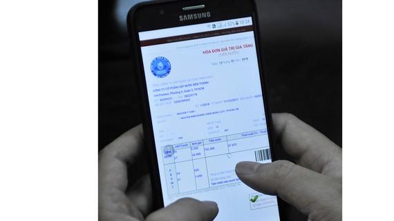 Kiểm tra hóa đơn tiền nước trên điện thoại di động