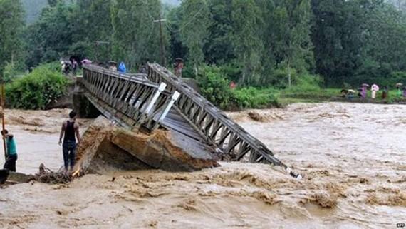 Lũ lụt ở Ấn Độ. Ảnh: BBC.
