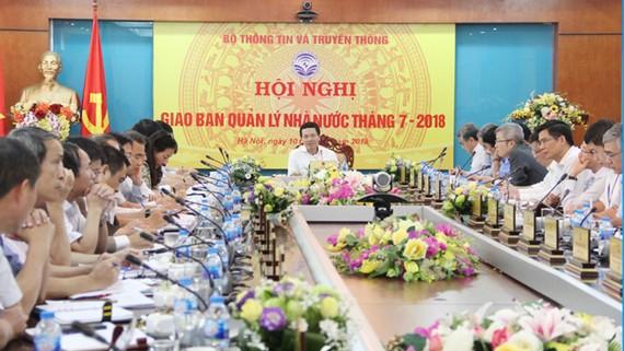 Quyền Bộ trưởng Nguyễn Mạnh Hùng phát biểu chỉ đạo Hội nghị. Ảnh: mic.gov.vn