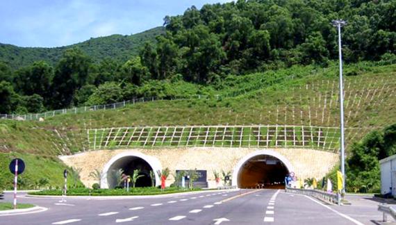 """Vụ """"dọa"""" ngừng hoạt động hầm Hải Vân:  Đã đóng tiền điện và khẳng định """"không có quyền đóng cửa hầm"""""""