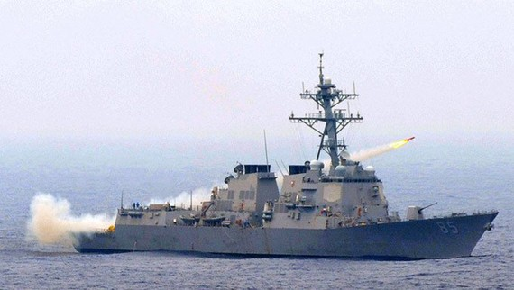 Tàu khu trục tên lửa dẫn đường USS MCCampbell (DDG-85) của Hạm đội Thái Bình Dương Mỹ. Ảnh: Hải quân Mỹ