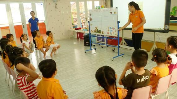 Trình độ chuẩn được đào tạo của giáo viên mầm non, Thường trực Ủy ban cơ bản nhất trí tiếp thu ý kiến nhân dân về việc nâng chuẩn đào tạo của giáo viên mầm non lên trình độ cao đẳng