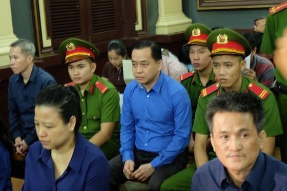 """Phan Văn Anh Vũ (tức Vũ """"nhôm"""")  trong một phiên tòa"""