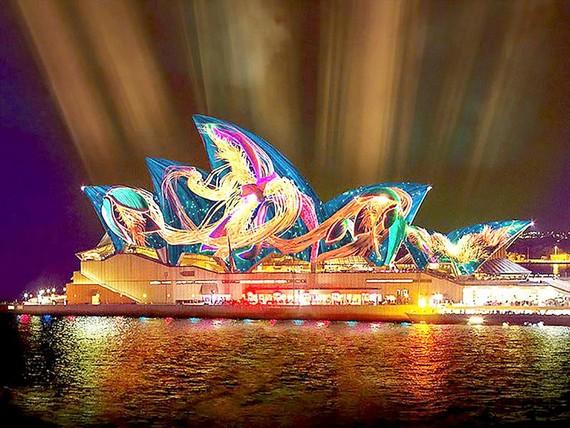 Lễ hội âm nhạc và ánh sáng lớn nhất thế giới
