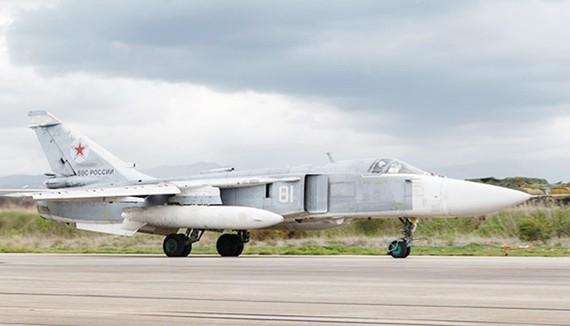 Máy bay tấn công Su-24 tại căn cứ không quân Khmeimim, Syria. Nguồn: Sputnik