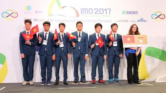 6 thí sinh đội tuyển quốc gia Việt Nam giành huy chương tại kỳ thi Olympic toán học quốc tế 2017
