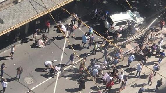 Hiện trường vụ lao xe nhìn từ trên cao. (Ảnh: news.com.au)