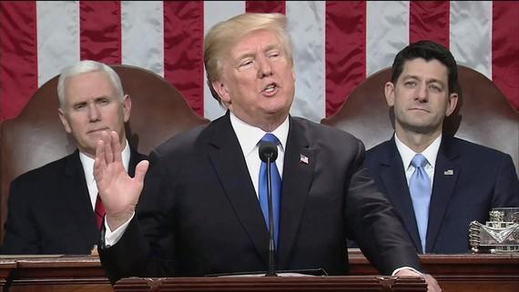Tổng thống Mỹ Donald Trump đọc bản Thông điệp Liên bang năm 2018 trước lưỡng viện Quốc hội