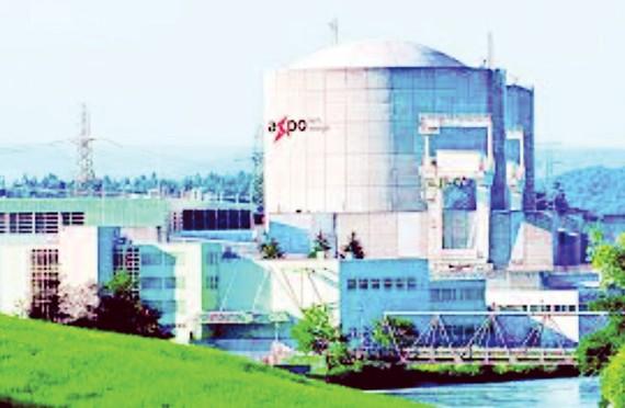 Tái khởi động lò phản ứng hạt nhân lâu đời nhất thế giới