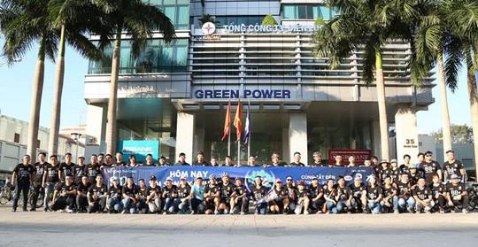 Đoàn viên thanh niên Tổng Công ty Điện lực TP HCM tham gia lễ ra quân và diễu hành chiến dịch Giờ Trái đất 2018. Ảnh: NLĐ