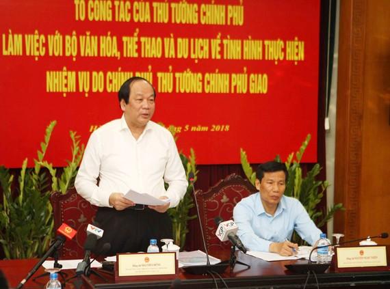 Bộ trưởng, Chủ nhiệm Văn phòng Chính phủ Mai Tiến Dũng phát biểu tại buổi làm việc. Ảnh: TTXVN