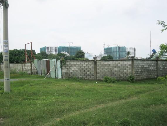 Cảnh hoang hóa của dự án xây trường dạy nghề Phương Nam