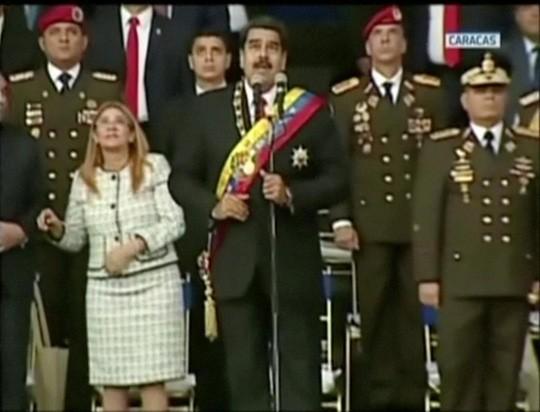 Vào tháng 8, Tổng thống Venezuela Nicolas Maduro thoát chết trong vụ ám sát bằng máy bay không người lái mang thuốc nổ. Ảnh: Reuters