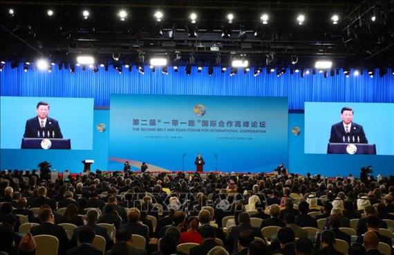 """Tổng Bí thư, Chủ tịch Trung Quốc Tập Cận Bình phát biểu khai mạc Diễn đàn cấp cao hợp tác quốc tế """"Vành đai và Con đường"""" lần thứ 2. Ảnh: TTXVN"""