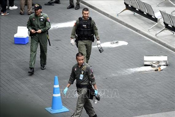 Cảnh sát điều tra tại hiện trường vụ nổ ở Bangkok, Thái Lan, ngày 2-8